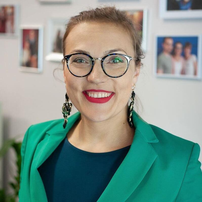anita nowa - Pasja w Pracy - Lucyna Malik - Online Brand Manager - WA